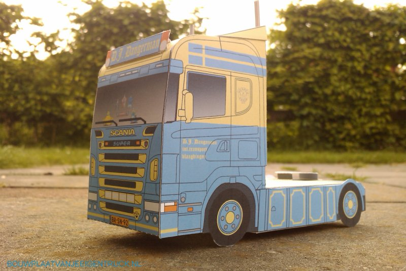 bouwplaat-papercraft-truck-scania-dangerman